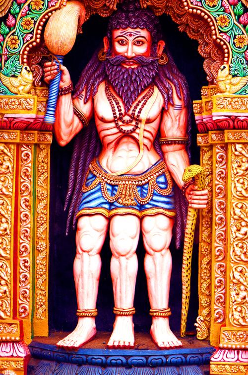 ヒンドゥの3本足の神様