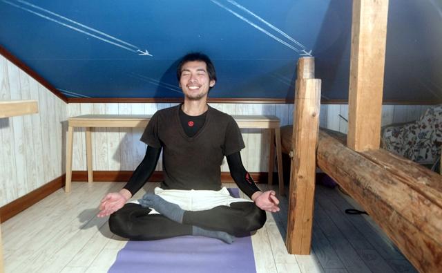 朝はまず瞑想