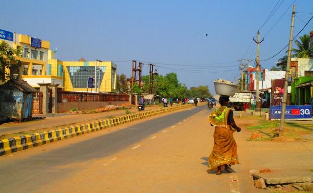 インドでは肉体労働も女性の仕事。