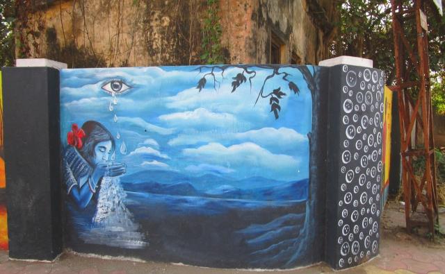 壁に描かれた独特な絵。