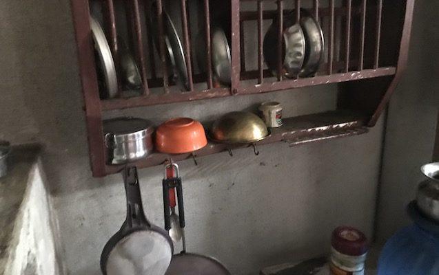 インドの食器棚
