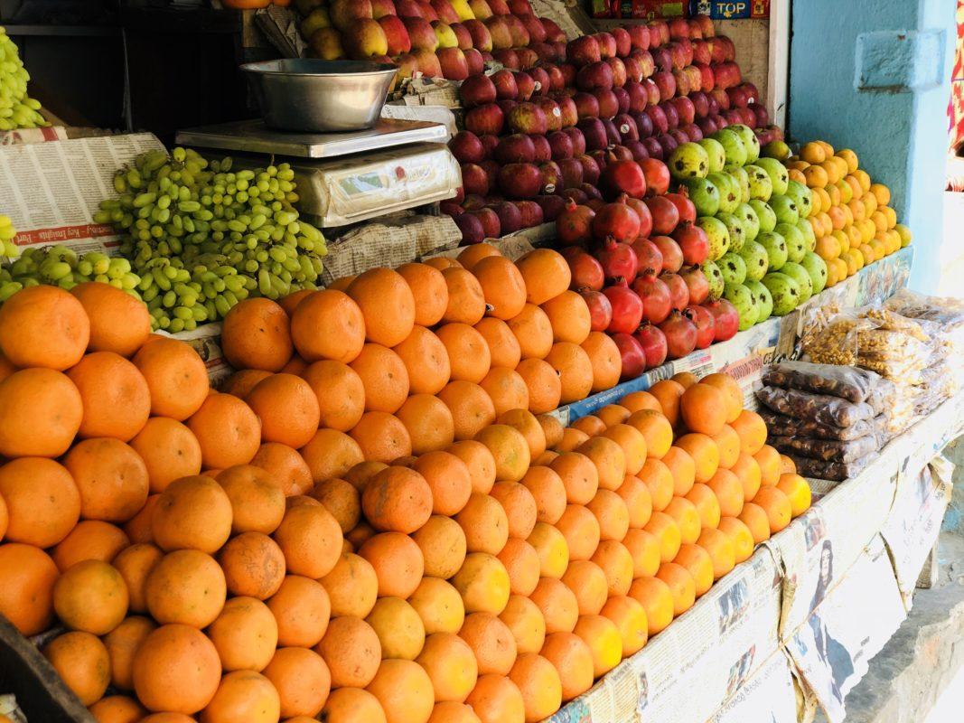 オレンジ、ぶどう、バナナやスイカも食べられます。