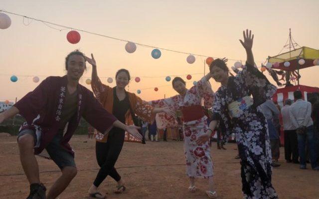 ジャパンオデッシャフェスティバルで浴衣を着て楽しむ