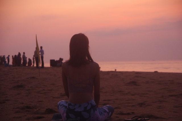 プリーのビーチでの朝焼け