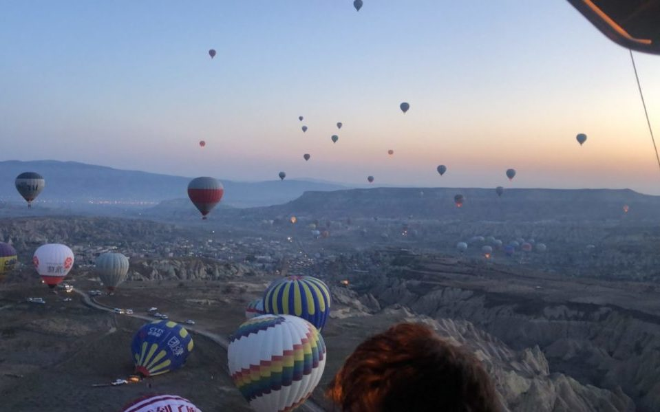 気球の上からカッパドキアを眺める